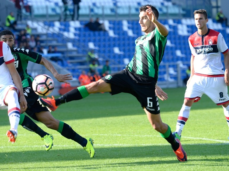 VIDEO - Sassuolo-Crotone 2-1, goal e highlights